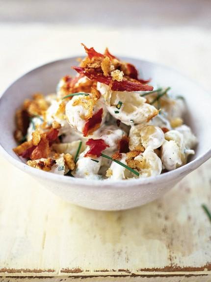 Ensalada de patatas con crema agria