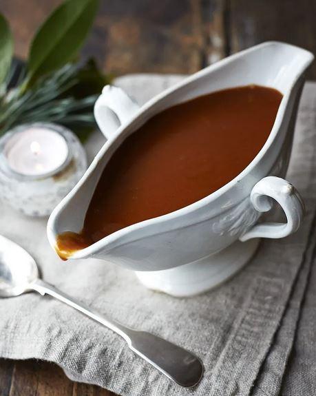 gravy-champiñones